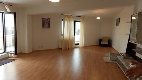 Apartament 2 camere Damaroaia cu terasă
