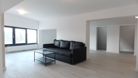 Apartament 4 camere mansarda 1 Mai Domenii